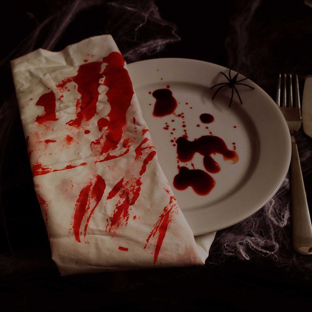 Blutige Serviette